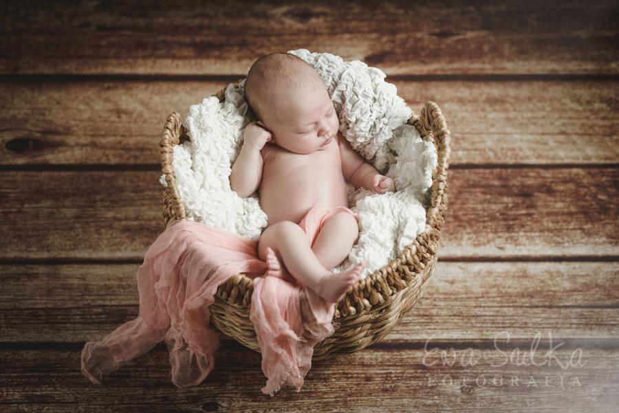 _SUL8695fotografia dziecięca sesja dzieci fotograf dzieci bezpieczna sesja nowowrodkowa Alicja 14