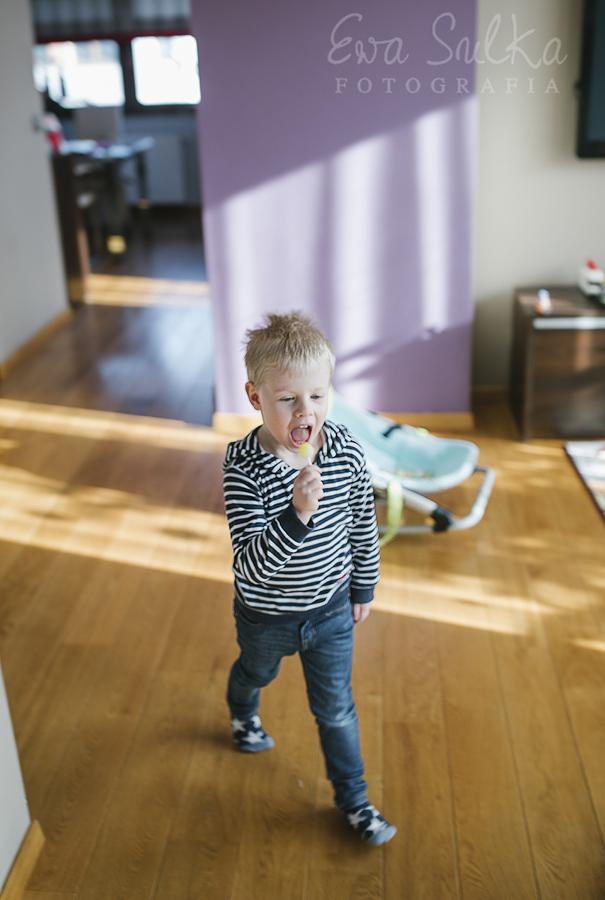 zdjęcia dzieci wrocław fotograf dziecięcy wrocław sesja domowa 10