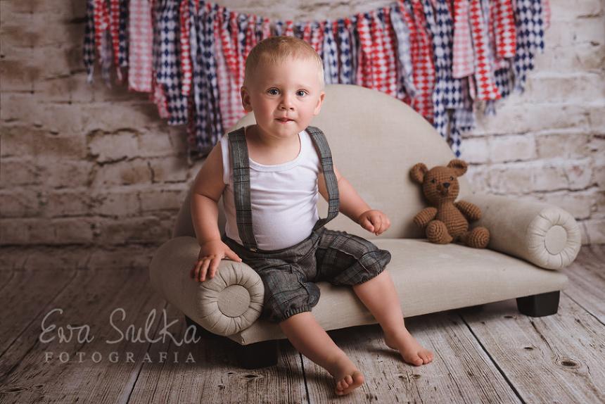 fotografia-noworodkowa-wroclaw-fotografia-dziecieca-sesja-noworodkowa-dziecieca-zdjecia-dzieci-wroclaw-2